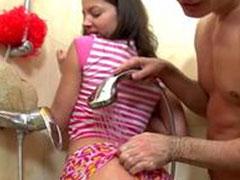 Heisser Fick unter der Dusche