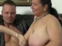 Pornodarsteller ficken fette alte Omas