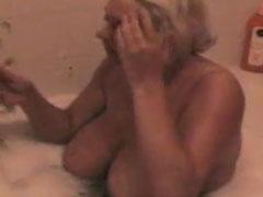 Fette Deutsche badet nackt