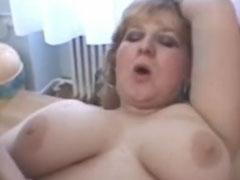 Fette Hausfrau liebt die Löffelchenstellung