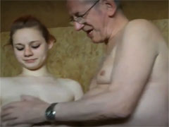 Opa ist geil auf junge Titten