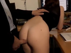 Vom Chef gefickt in seinem Büro