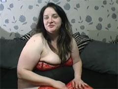 Ein Gurkenfick mit einer fetten Hausfrau