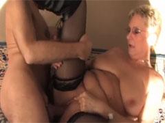 Geiler Sex mit dicker Oma