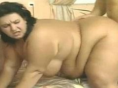 Grosse fette Frau von hinten gefickt